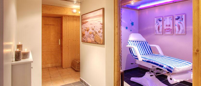 France_La-Plagne_Hotel-Des-Balcons-Belle-Plagne_Treatment-room-spa.jpg